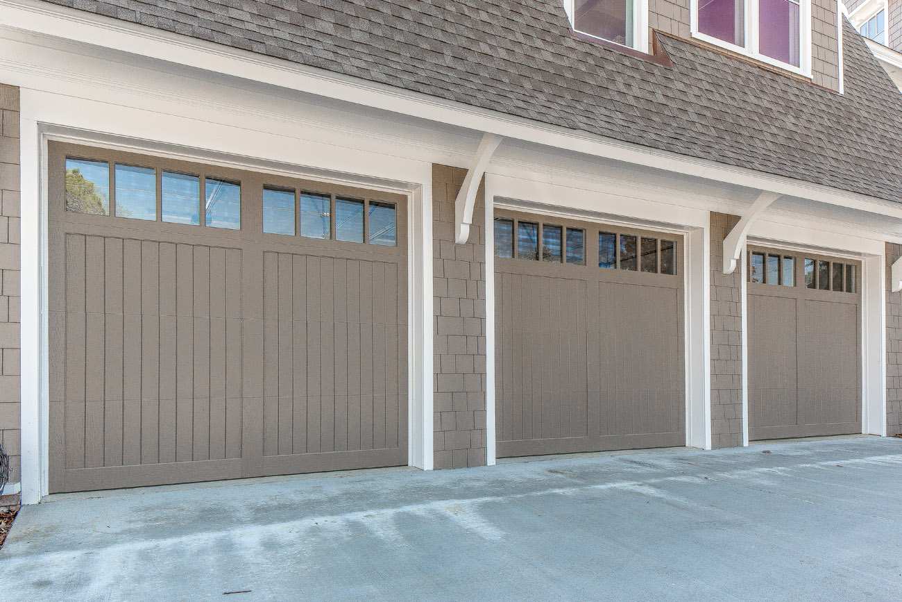 Cottage style garage doors family home plans for Cottage style garage plans